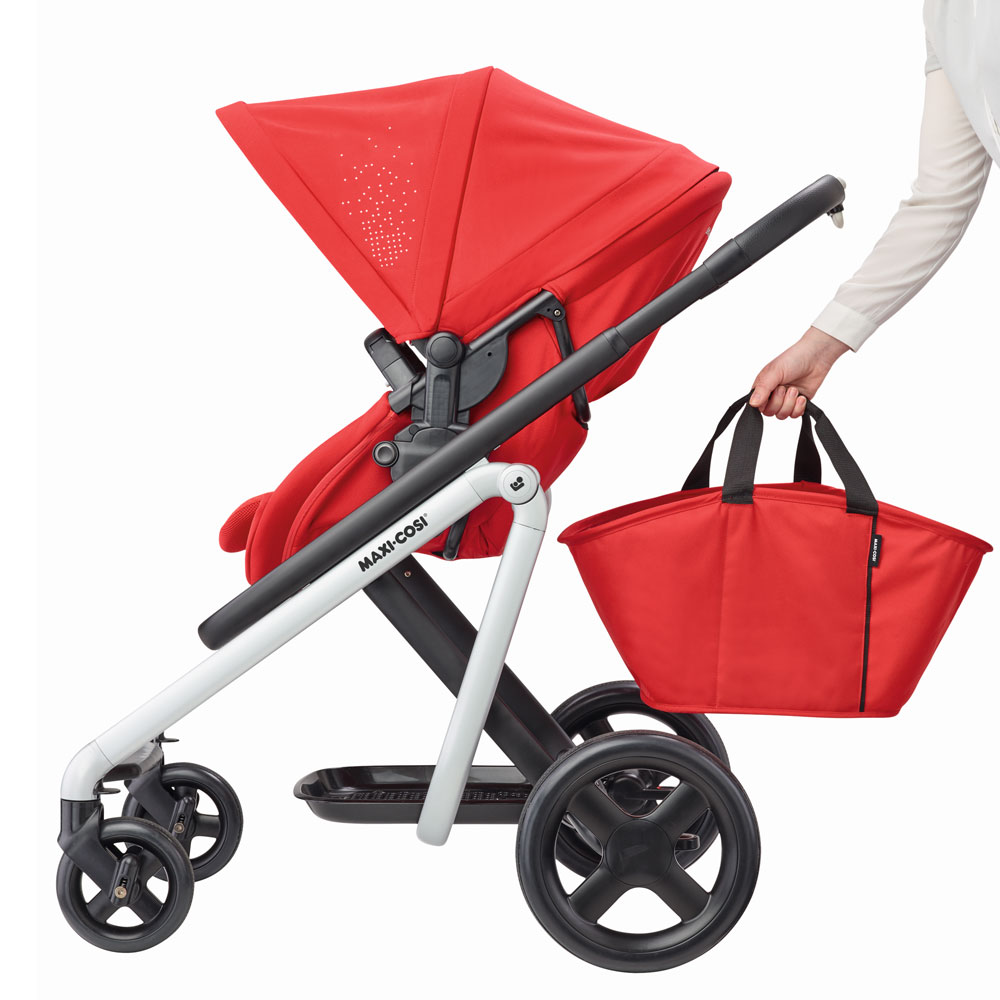 Maxi-Cosi-Lila-Pushchair-Jade-Carrycot-and-Familyfix3-Base-Red-RRP-897 thumbnail 3